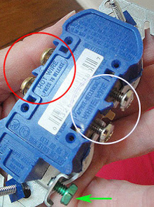 how to replace an outlet, Colored Screws