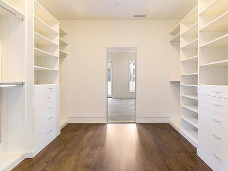 Master walk through closet