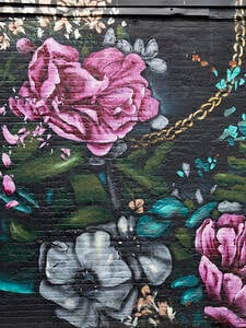 Nate Frizell's Untitled Jersey City Mural with Boquets and Gold Chains