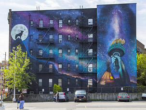 Jersey City Mural With Statue of Libery and Wolf