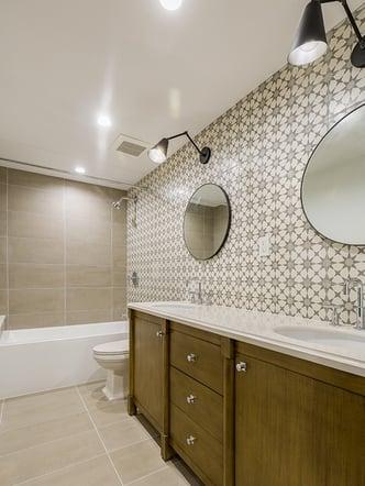 Vertical guest bathroom