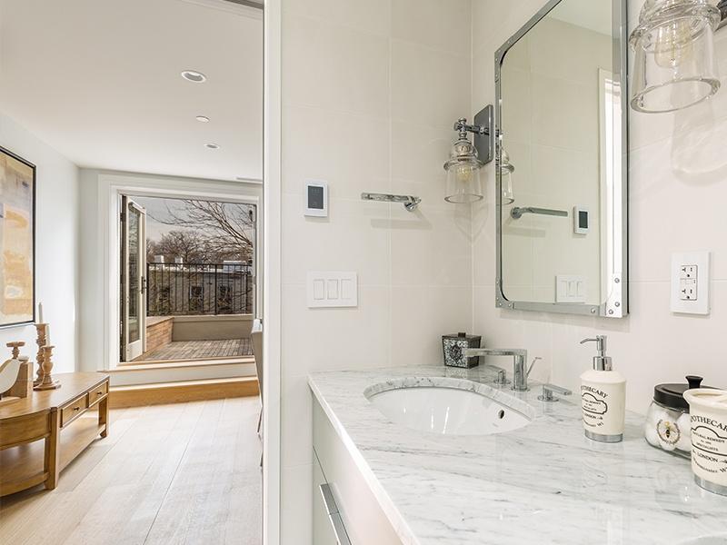 master bath to sitting room