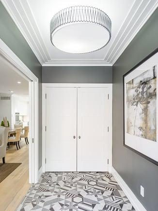 120 Bainbridge Tiled Entryway