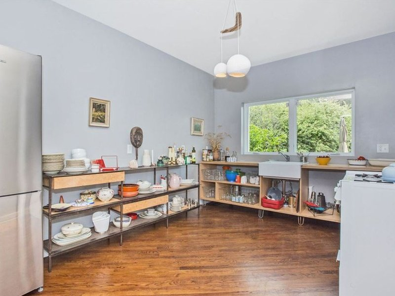 pre-renovation Zillow listing