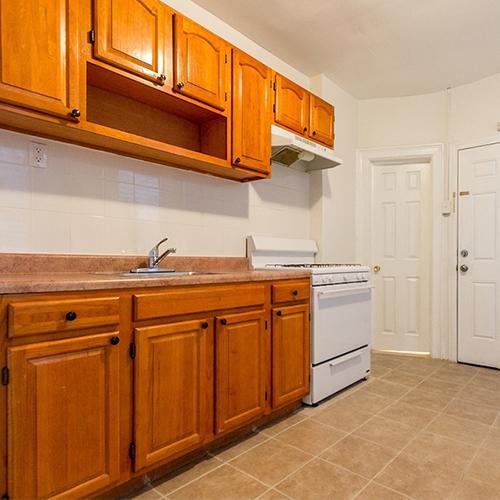 Image of property 138 Woodlawn Avenue, U4