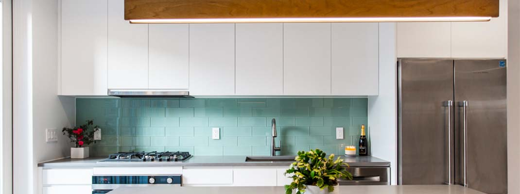 Modern kitchen green backsplash