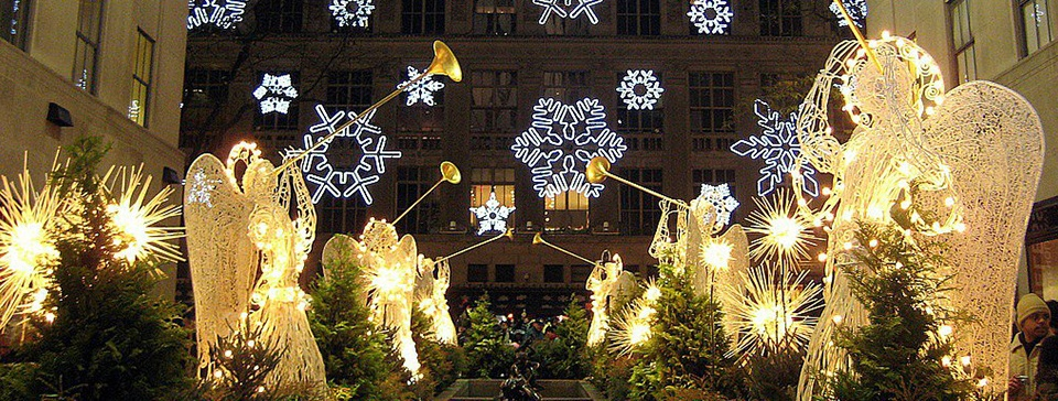 Top 5: Best Spots to Spy Great Holiday Decorations
