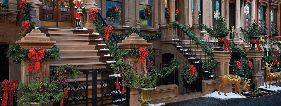 Style Your Stoop: Holiday Decorating Tips from the Dixon Design Team